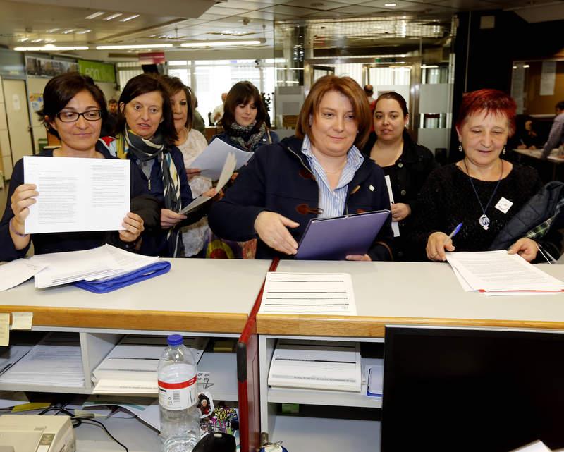 Máis de mil firmas contra ocongreso da SAP (Fotografía: Marciano Pérez)